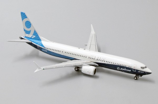 Boeing 737-MAX9 House Color N7379E Scale 1/400