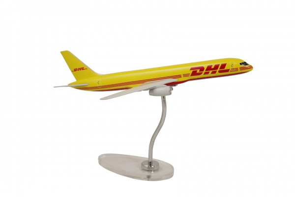 Boeing 757-200 DHL Cargo Scale 1:155