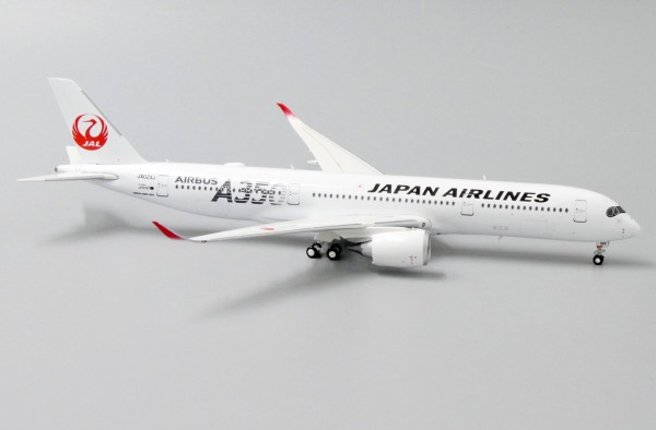 "Airbus A350-900XWB Japan Airlines ""JAL Silver"" JA02XJ Scale 1/400"