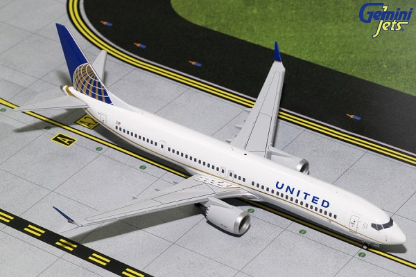 Boeing 737 MAX 9 United Airlines N67501 Scale 1/200