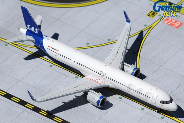 Airbus A321neo SAS Scandinavian Airlines New Livery SE-DMO Scale 1/400