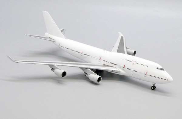 """Boeing 747-400 with GE Engine """"Blank"""" Scale 1/400"""