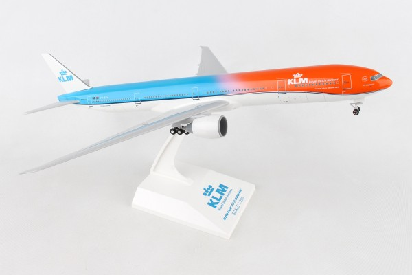 "Boeing 777-300ER KLM ""Orange Pride"" Scale 1/200 w/G"