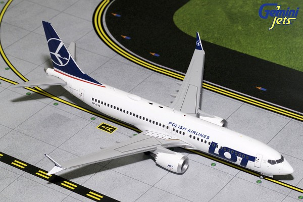 Boeing 737 MAX 8 LOT Polish Airlines Scale 1/200
