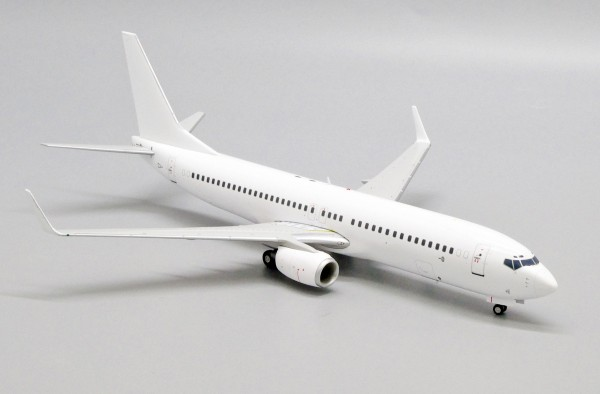 """Boeing 737-800 with Winglets """"Blank"""" Scale 1/200"""
