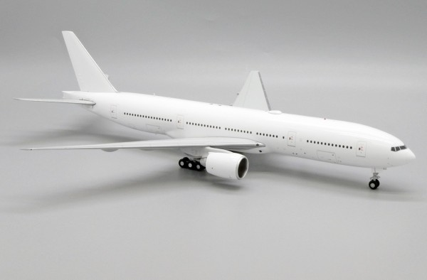 "Boeing 777-200 With PW engines ""Blank"" Scale 1/200"