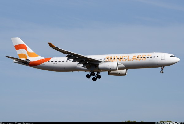 Airbus A330-300 Sunclass Airlines OY-VKI Scale 1/400