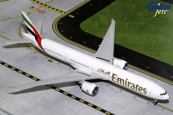 Boeing 777-300ER Emirates Airline Scale 1/200