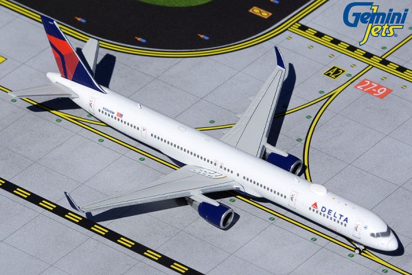 Boeing 757-300 Delta Air Lines N586NW Scale 1/400