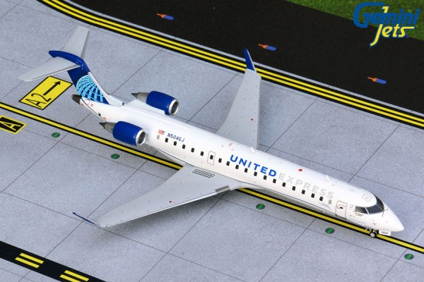 Bombardier CRJ-550 United Express Scale 1/200