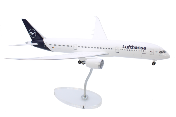 Boeing 787-9 Dreamliner Lufthansa New Livery Scale 1:100 w/G