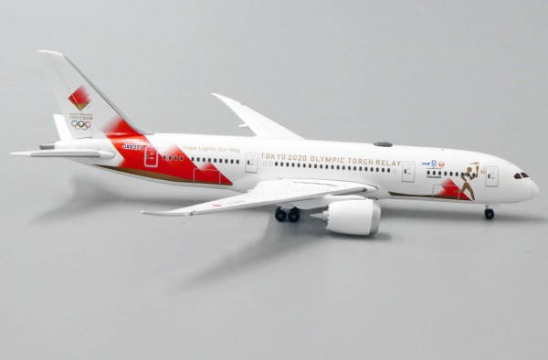 Boeing 787-8 Torch Relay JA837J Scale 1/500