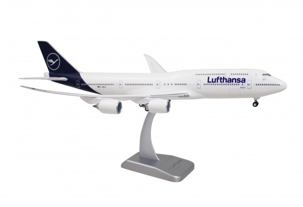 Boeing 747-8 Lufthansa New Livery Scale 1:200 w/G