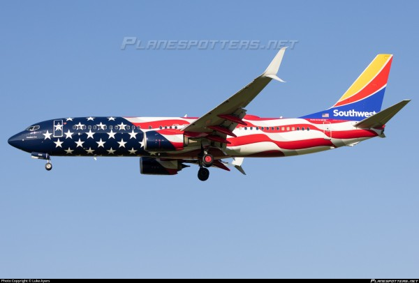 """Boeing 737-800 Southwest Airlines """"Freedom One"""" N500WR Scale 1/200"""