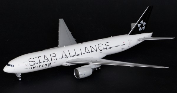 "Boeing 777-200ER United ""Star Alliance"" N77022 Scale 1/200"