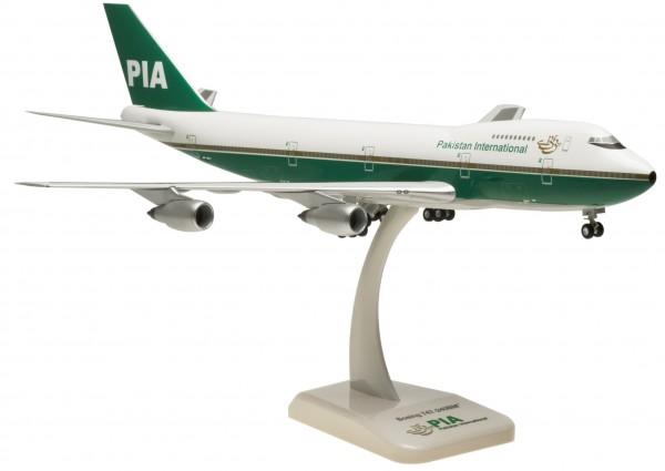 Boeing 747-200 Pakistan International Airlines OL (AP-BAT) Scale 1:200