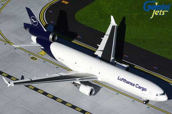 McDonnell Douglas MD-11F Lufthansa Cargo NEW LIVERY Scale 1:200 w/Gear