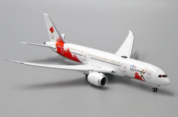 Boeing 787-8 Dreamliner Torch Relay Flap Down Version JA837J Scale 1/400