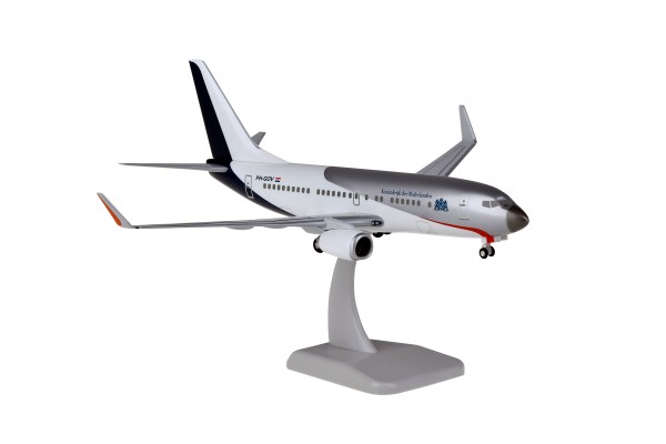 Boeing 737-700WW Government of the Netherlands PH-GOV Scale 1:200