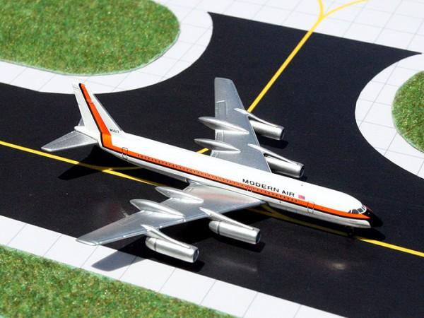 Convair CV-990 Modern Air Scale 1/400