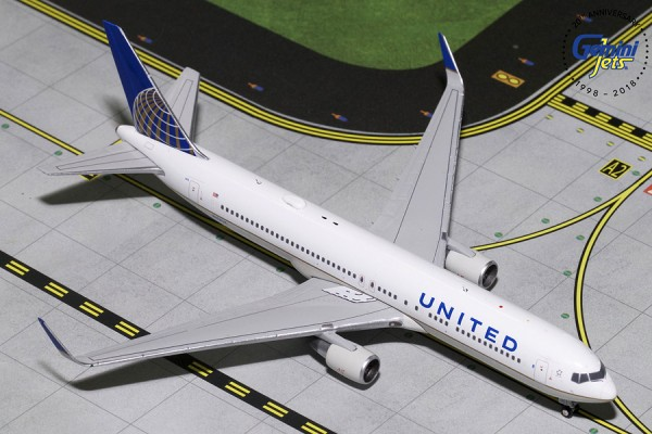 Boeing 767-300ER United Airlines Scale 1/400