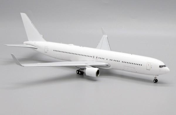 "Boeing 767-300 ""Blank"" Scale 1/200"