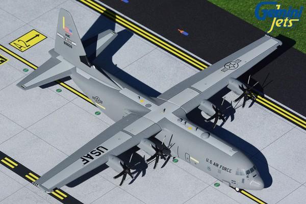 """Lockheed C-130J-30 Hercules U.S. Air Force """"Little Rock AFB"""" 88606 Scale 1/200"""