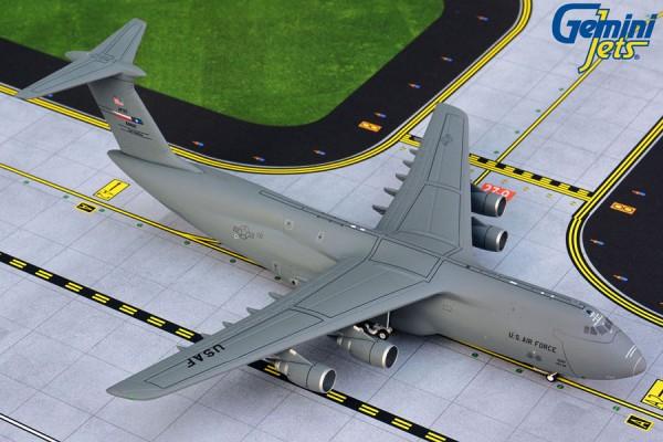 """Lockheed C-5M Galaxy United States Air Force (USAF) """"Lackland AFB"""" Scale 1/400"""