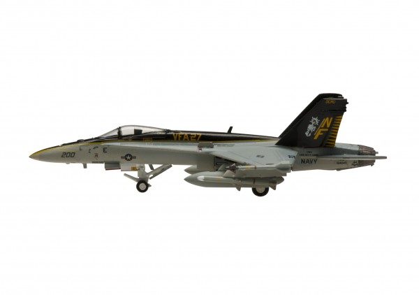 "McDonnell Douglas F/A-18C Hornet US Navy VFA-27 ""Royal Maces"" NF 200 Scale 1/200"