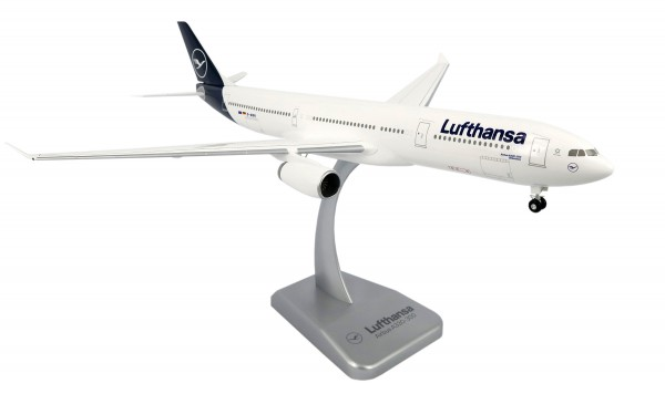 Airbus A330-300 Lufthansa New Livery Scale 1:200 w/G