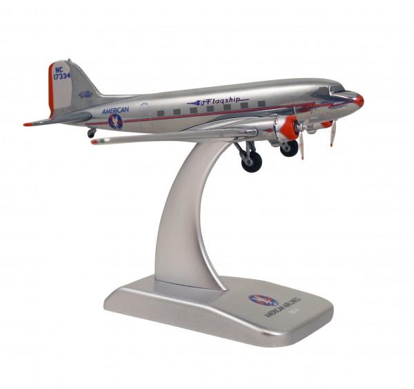 McDonnell Douglas DC-3 American Airlines (die cast) NC17334 Scale 1:200