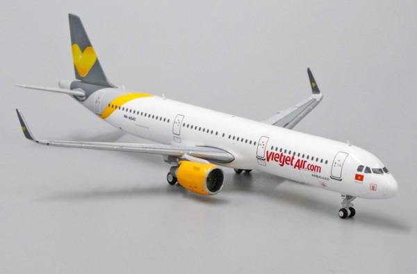 Airbus A321 Vietjet Air VN-A542 Scale 1/400