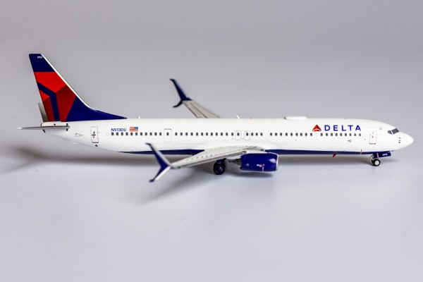 Boeing 737-900ER with scimitar winglets Delta Air Lines N913DU Scale 1/400