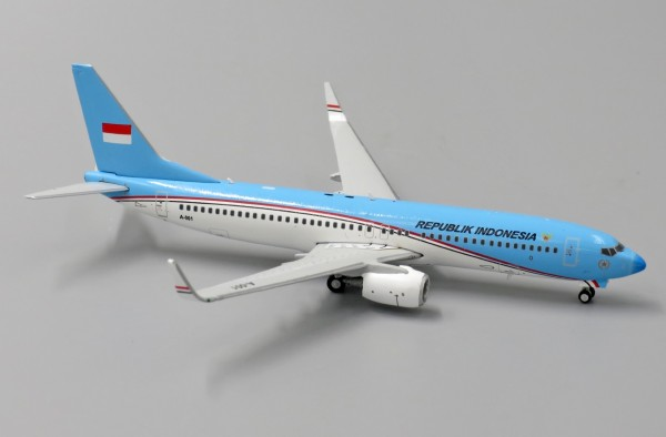 Boeing 737-800(BBJ2) Indonesia Air Force A-001 Scale 1/400
