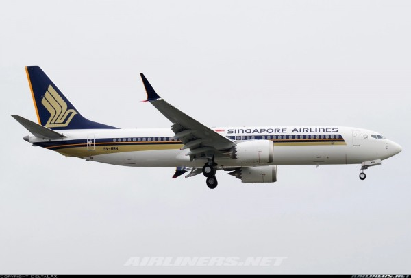 Boeing 737-MAX8 Singapore Airlines 9V-MBN Scale 1/400