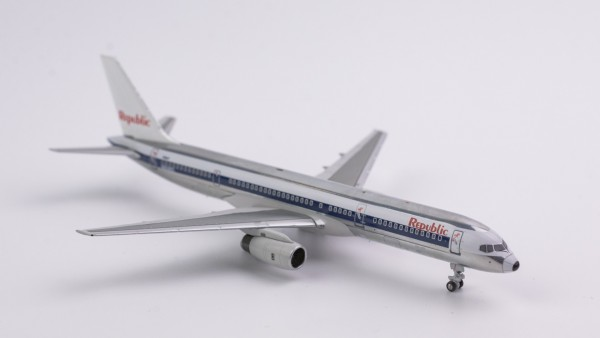 """Boeing 757-200 Republic Airlines """"NW scheme;left engine Royal Brunei cowling"""" N606RC Scale 1/400"""