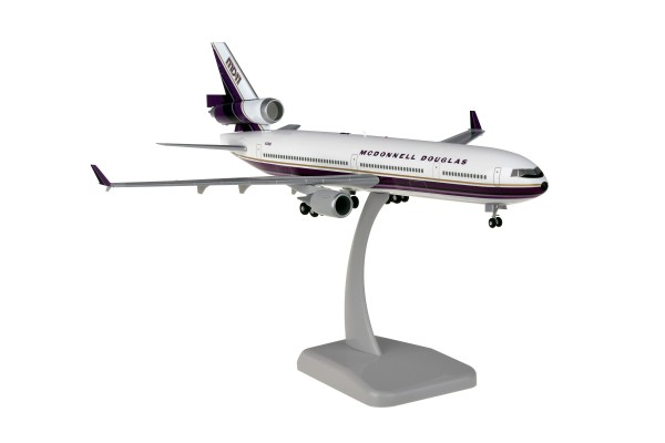 McDonnell Douglas MD-11 House Color N211MD Scale 1:200