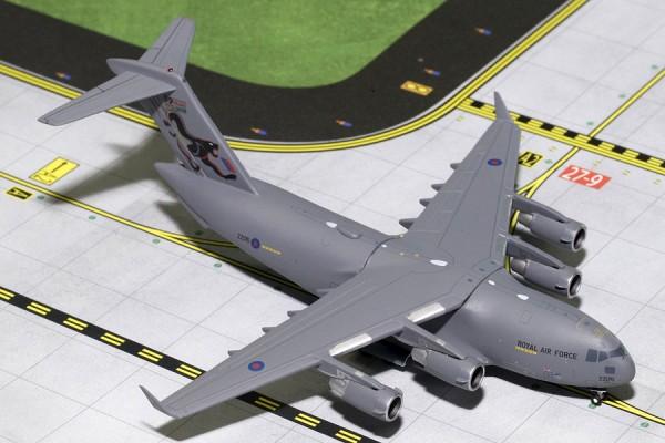 "Boeing C-17 Globemaster III Royal Air Force (RAF) ""99 SQDN Years"" ZZ176 Scale 1/400"