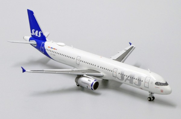 Airbus A321 Scandinavian Airlines OY-KBH Scale 1/400
