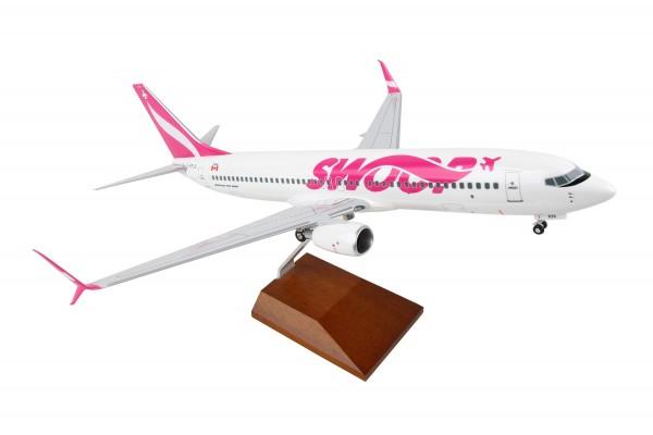 Boeing 737-800 SWOOP Scale 1/100 w/Gear