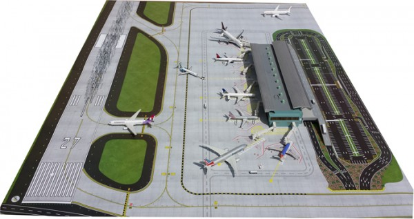 Air-Side/Land-Side Airport Terminal Scale 1/400