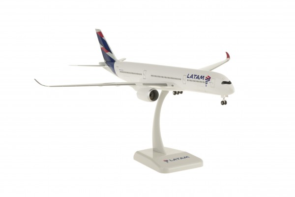 Airbus A350-900 LATAM Scale 1:200