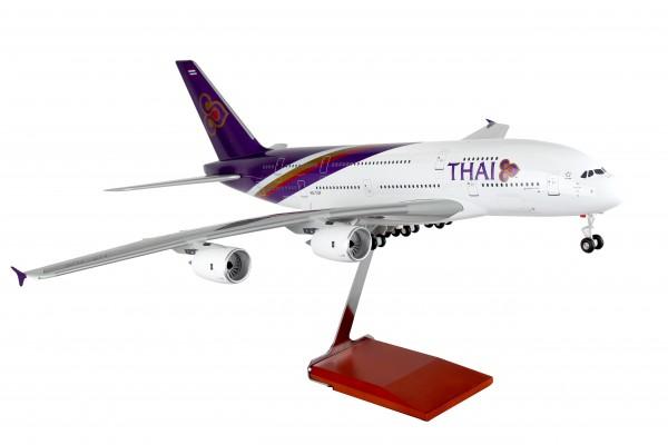 Airbus A380 Thai Airways Scale 1/100 w/Gear