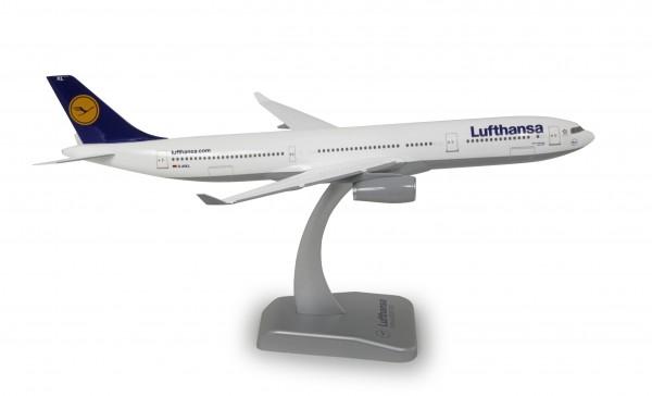 Airbus A330-300 Lufthansa Scale 1:200
