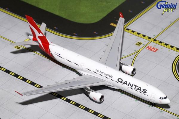 Airbus A330-200 Qantas Airways Scale 1/400
