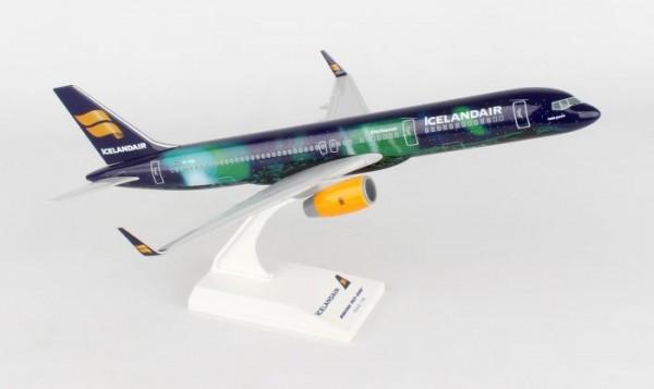 Boeing 757-200 Icelandair Hekla Aurora Scale 1/150