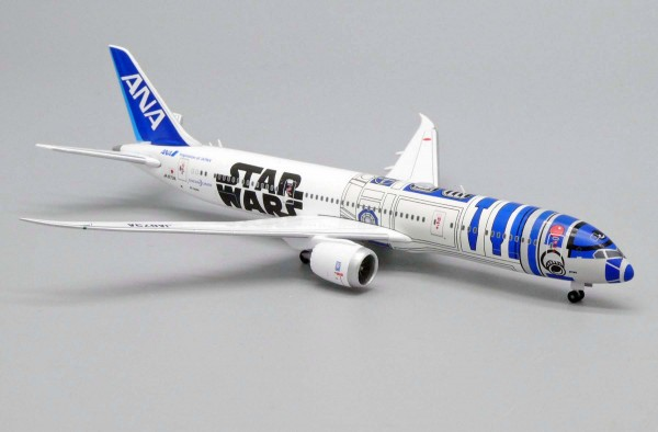 """Boeing 787-9 All Nippon Airways (ANA) """"R2D2 Livery"""" JA873A Scale 1/500"""
