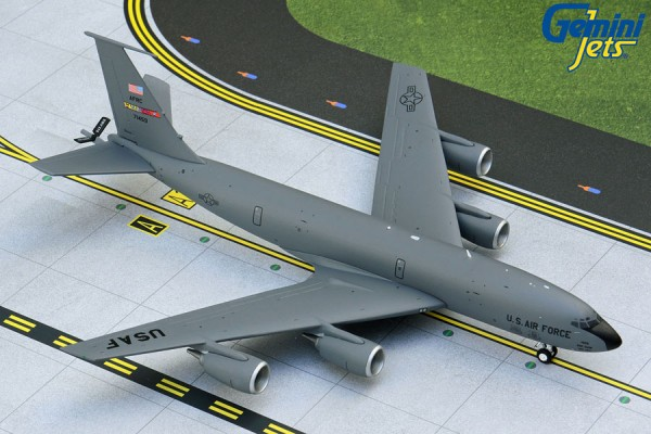 Boeing KC-135R Stratotanker March ARB U.S. Air Force Scale 1/200