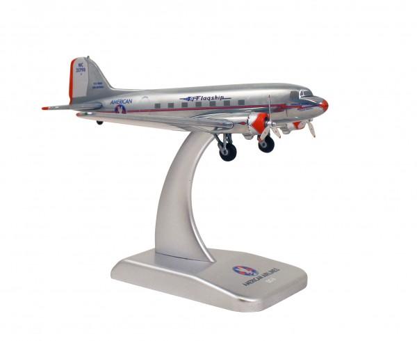 McDonnell Douglas DC-3 American Airlines (die cast) NC21798 Scale 1:200