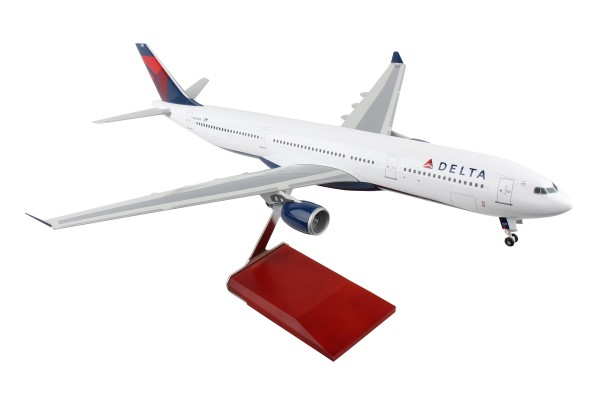Airbus A330-300 Delta Air Lines Scale 1/100 w/Gear